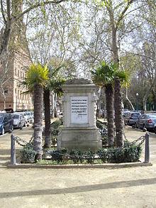 220px-Monumento_a_la_Raza_en_Sevilla