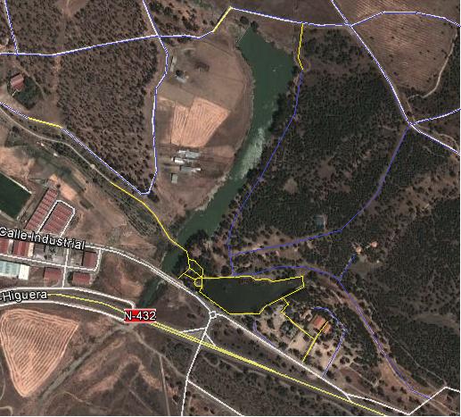 Caminos y accesos. Fuente: Google Earth. Elaboración: Propia.