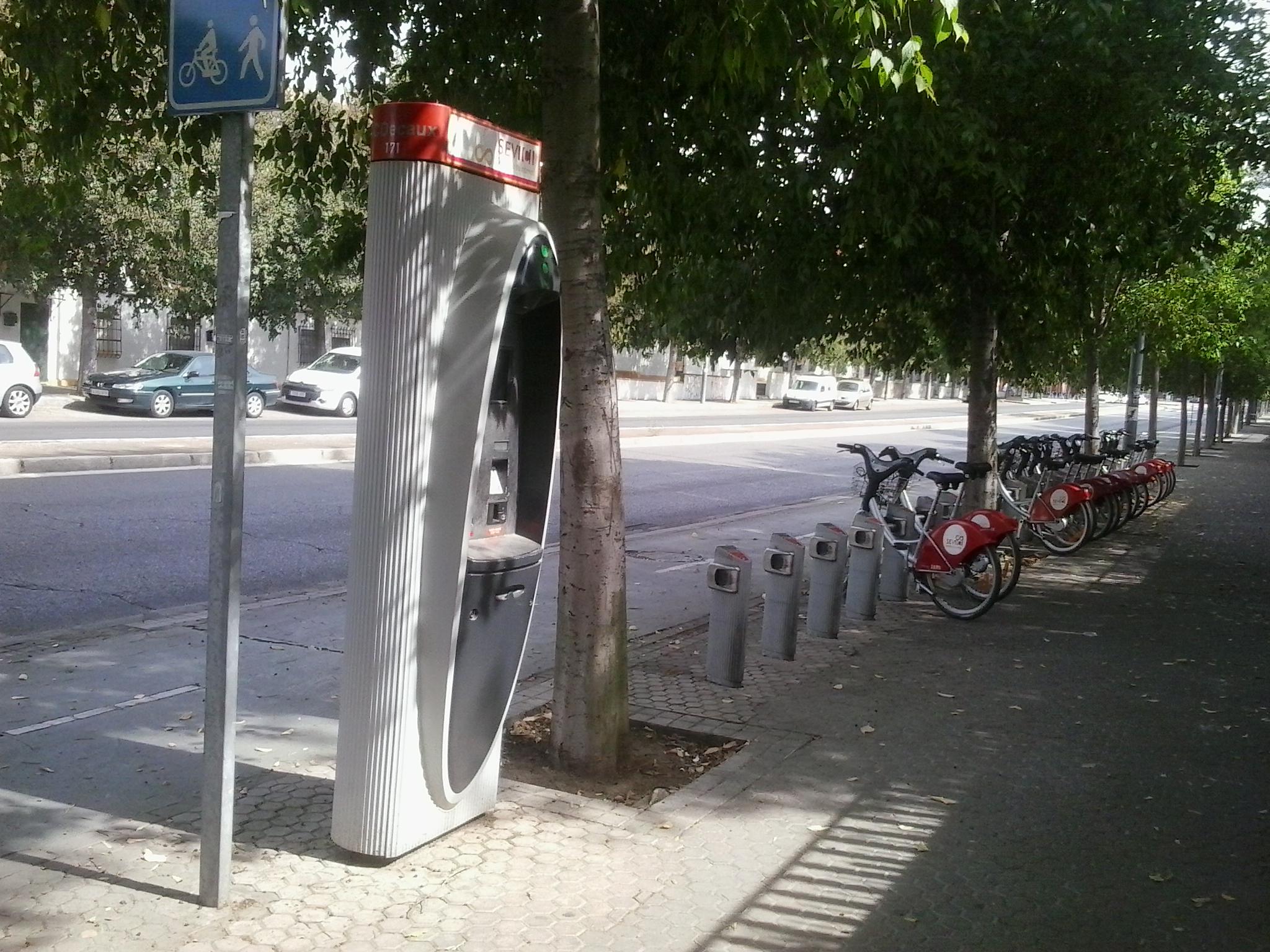 """Imagen 4. Estación """"Sevici"""". Fuente:; Elaboración propia."""