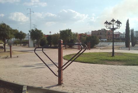 Imagen 18. Zona de gimnasio al aire libre. Fuente: Propia.