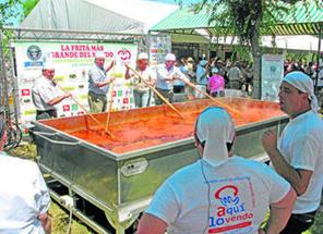 Imagen 20. Récord Guinness de La fritá de tomate. Fuente: Web El diario de Sevilla.