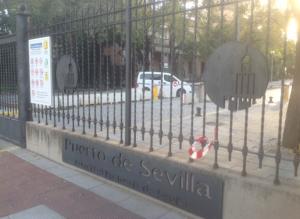 Imagen 11. Autoridad Portuaria de Sevilla, junto al río.