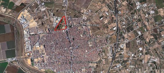 Imagen 2. Imagen aérea del municipio de Los Palacios y Villafranca y del parque de Los Hermanamientos. Fuente: Google earth.