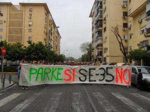 Imagen 4.- Manifestantes en contra de la SE -35. Fuente: elforodelparque.blogspot.